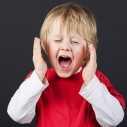 Какво да направите, ако детето ви плаче, когато го оставяте в детската градина