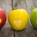 История за двете ябълки, или как ни нараняват думите