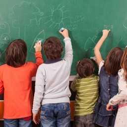 5 идеи за полезни и забавни подаръци за класната стая