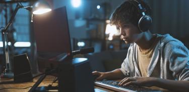 Прекаляваме ли с грижите към децата ни?